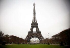La torre Eiffel cierra al público por segundo día consecutivo por huelga