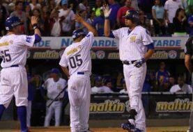 Magallanes vuelve a ganar y abandona el foso de la LVBP