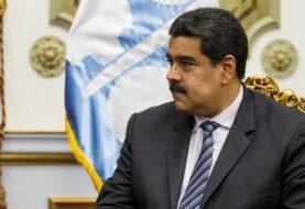 """Maduro es denunciado por """"devastación"""" causada tras retiro de billete de 100"""
