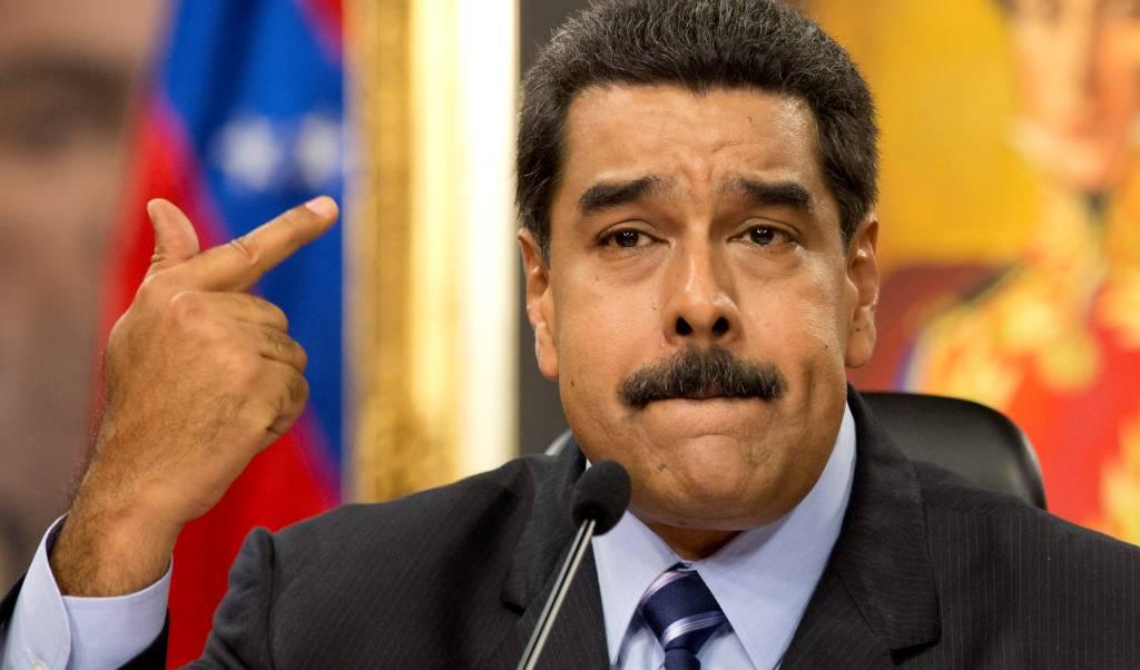 Gobierno de Maduro insta a la UE a apoyar diálogo con minoría opositora