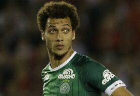 """El defensa del Chapecoense Helio Neto continúa en """"condición muy crítica"""""""