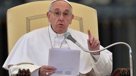 """Papa condena ataques en Egipto y Turquía y pide """"unidad en valores humanos"""""""