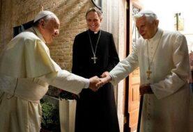 Papa Francisco visitó a Benedicto XVI para felicitarle la Navidad