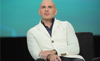 Pitbull cierra polémica por campaña publicitaria al revelar cuánto cobró