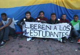 """Total de 36 """"presos políticos"""" piden a oposición venezolana seguir en diálogo"""
