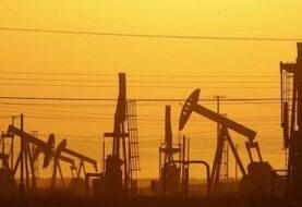 Veinticinco productores de crudo ultiman acuerdo sobre recorte de producción
