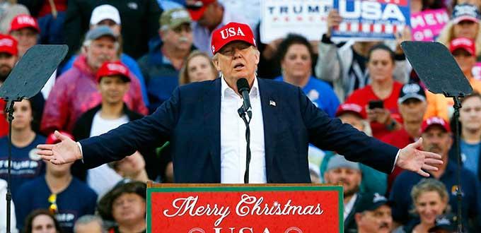 Trump cierra su gira de la victoria donde nació como ídolo de masas