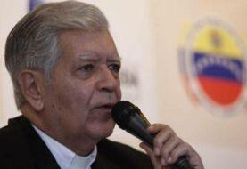 """Arzobispo de Caracas critica compra de armas mientras pueblo """"pasa hambre"""""""