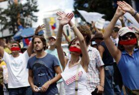 """Exilio de Miami dice saqueos reflejan """"caos económico y social"""" en Venezuela"""