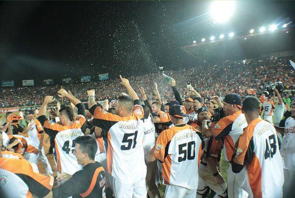 Águilas alzan título en la LVBP luego de 17 años