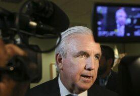 Retan orden de alcalde de Miami-Dade de acatar detención de inmigrantes