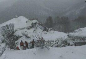 Dos muertos y unos 30 desaparecidos en hotel arrasado por un alud en Italia