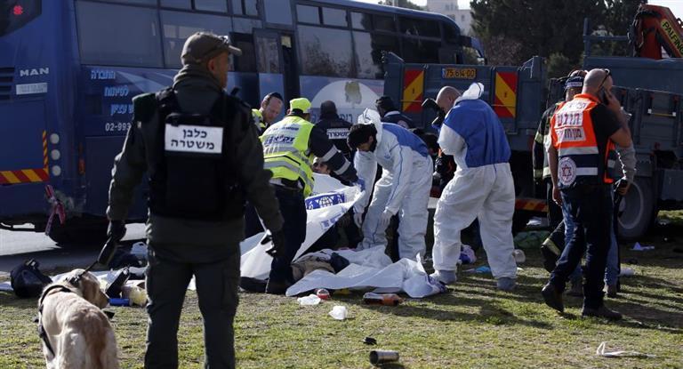Al menos cuatro muertos en un presunto ataque con un camión en Jerusalén