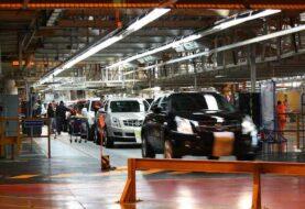 Trump amenaza con aranceles aduaneros a General Motors por producir en México