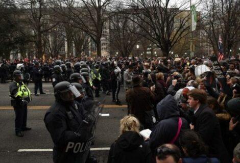 Suben los detenidos por las protestas durante la investidura de Trump