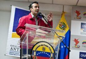 """Maduro hará anuncios para """"transformación"""" económica, dice vicepresidente"""