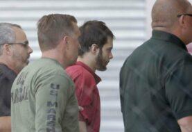 Presentan cargos formales contra sospechoso de tiroteo en aeropuerto de EEUU