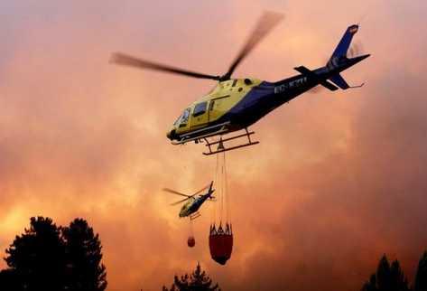 Chile refuerza el combate aéreo contra el fuego con más helicópteros