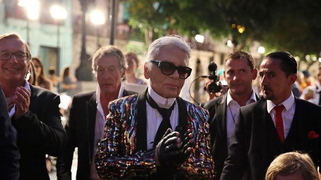 Karl Lagerfeld diseña la tiara de debutantes del baile de la ópera de Viena