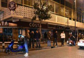 Soldados libaneses evitan un atentado suicida en una cafetería de Beirut