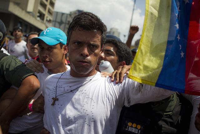 """López sugiere """"recuperar el voto popular"""" venezolano como ruta para este año"""