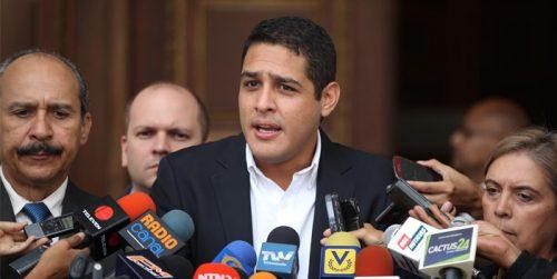 Diputado opositor dice que el Gobierno venezolano no ha comprado medicinas