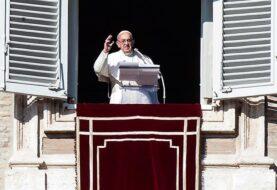 Papa Francisco pide prudencia ante las alarmas desatadas por Trump
