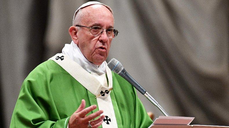 El papa pide medidas para proteger e integrar a los niños inmigrantes
