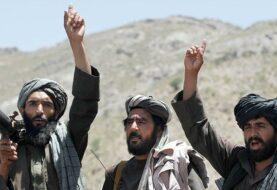 Talibanes le piden a Trump que retire sus tropas para acabar con la guerra