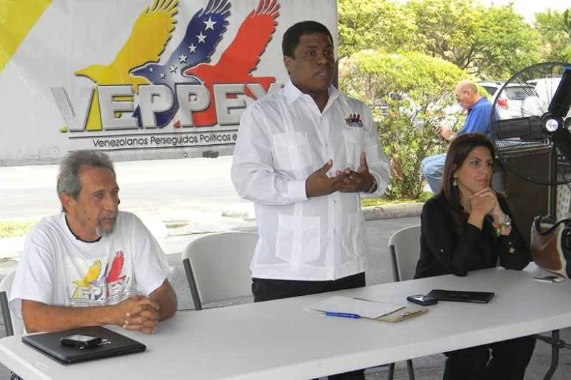 Exilio apoya decisión del Parlamento de declarar abandono del cargo de Maduro