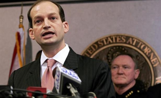 Trump elige al hispano Alexander Acosta para liderar Departamento de Trabajo