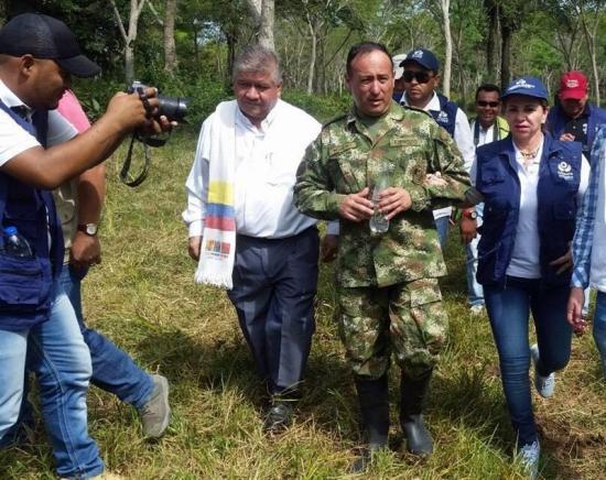 Gobernador colombiano celebra que ELN haya liberado a soldado y pide diálogo