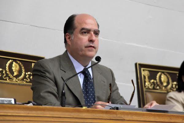 Jefe del Parlamento venezolano viaja a Colombia para hablar en el Congreso