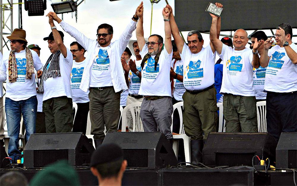 Unos 180 guerrilleros de FARC llegan a zona de reunión donde dejarán armas