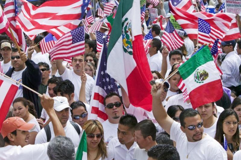 México exige a Trump respeto con multitudinarias marchas en varias ciudades