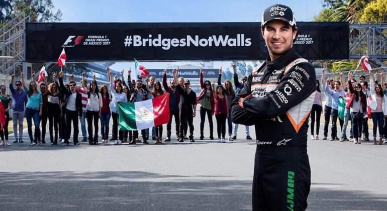 Piloto mexicano Checo Pérez abandera campaña contra el muro de Trump