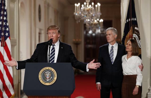 Trump presiona para lograr una confirmación rápida de su nominado al Supremo