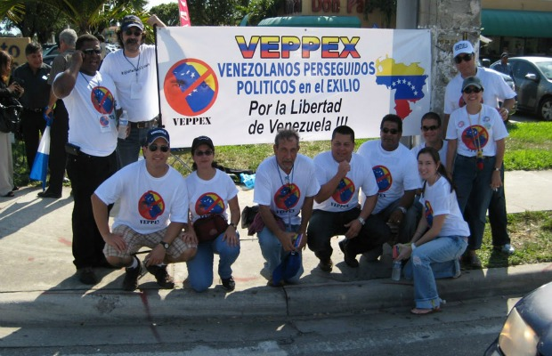 Exiliados venezolanos en Miami rechazan la reestructuración de la MUD