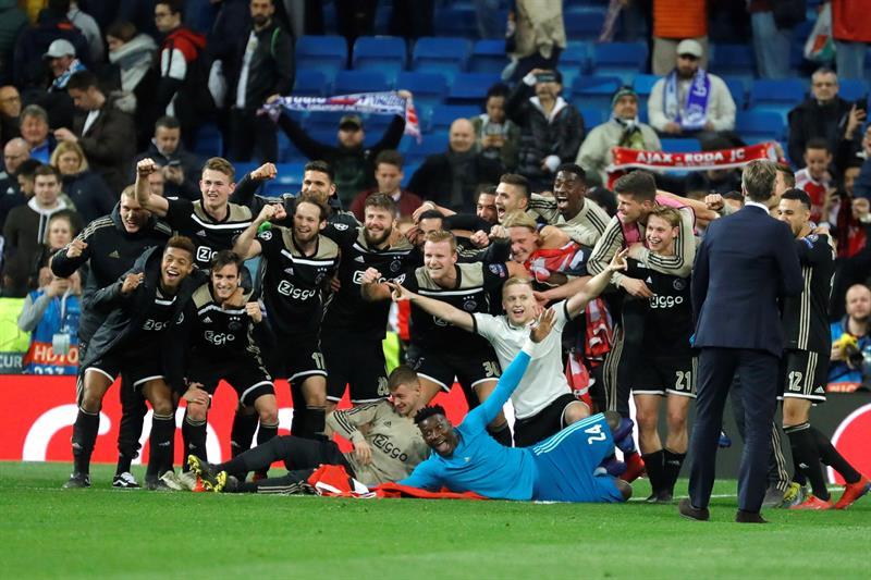 Ajax humilla y pone fin al ciclo del Real Madrid