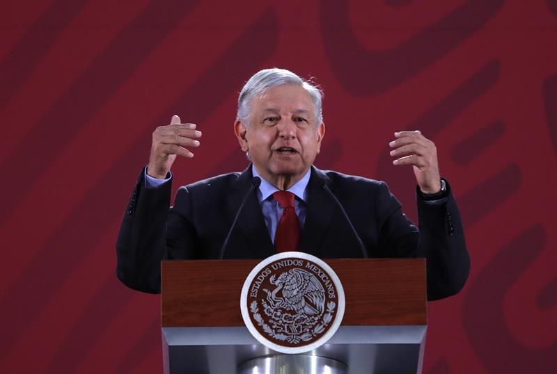 López Obrador rechaza hablar del muro y confía en atraer inversión de EE.UU.