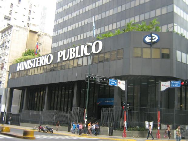 Fiscalía abre investigación a Guaidó por crisis eléctrica