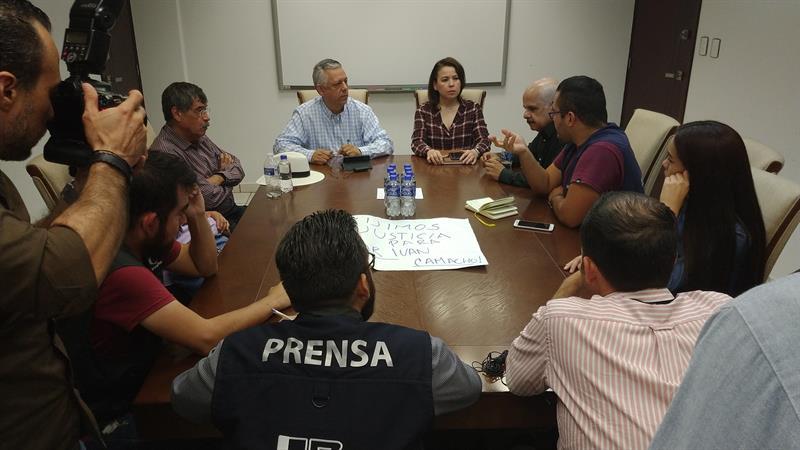 Periodistas exigen esclarecer asesinato de reportero en Sinaloa