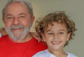 Lula sale de prisión por primera vez para entierro de su nieto