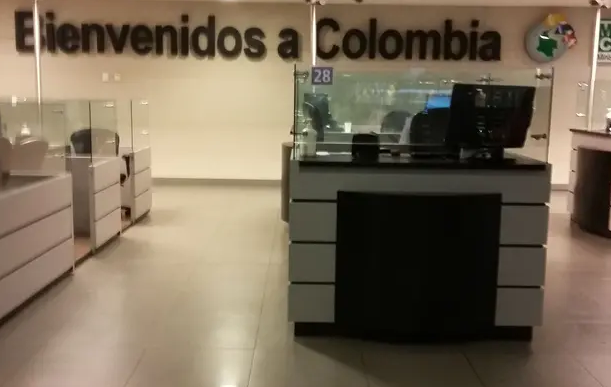 Detienen en Bogotá a militar del régimen de Maduro con 25 pasaportes