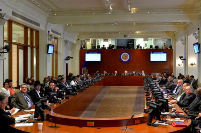 OEA urge a los militares venezolanos a permitir la entrada de ayuda