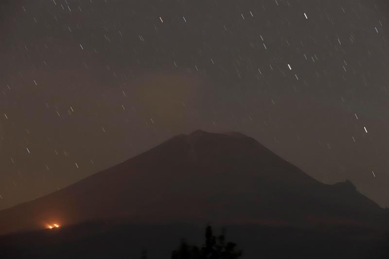 Volcán Popocatépetl a un paso de la fase roja