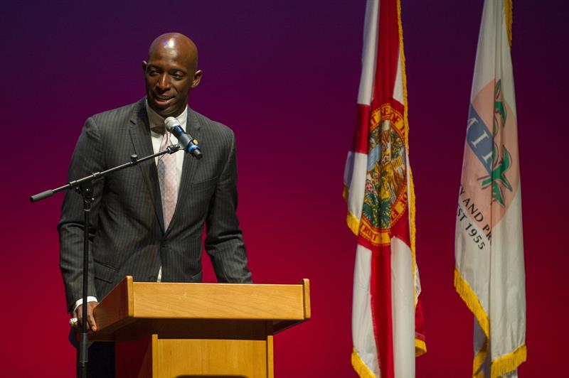 Alcalde Messam se une a la lista de demócratas para las presidenciales