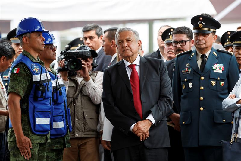 "México pide ""solución pacífica"" en Venezuela tras llamamiento de Guaidó"