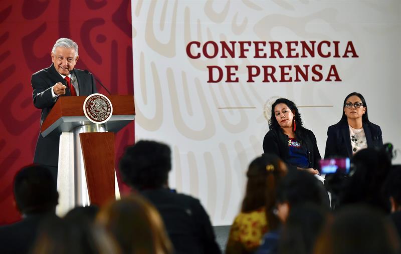 """AMLO alerta que """"no conviene a nadie"""" el cierre de fronteras"""