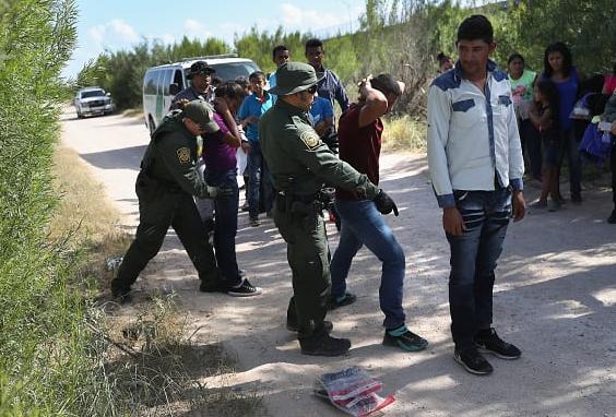 EE.UU. negará libertad a parte de los solicitantes de asilo detenidos